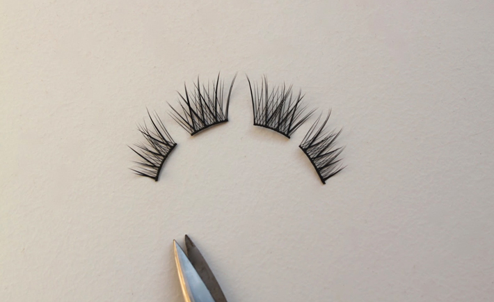 optimized-makeup-hacks-chopped-fake-eyelashes