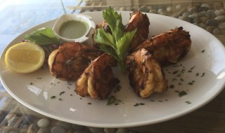 Jumbo Shrimp selected from the fresh seasfood collection, baked/grilled/fried with Samakiat special sauce