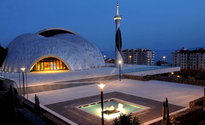 10 Modern Mosques From Around the World | Destination KSA