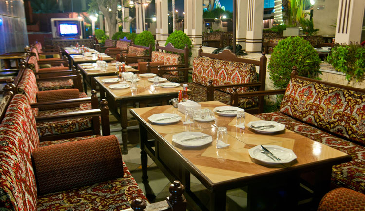 optimized-outdoors-dining-alnakheel