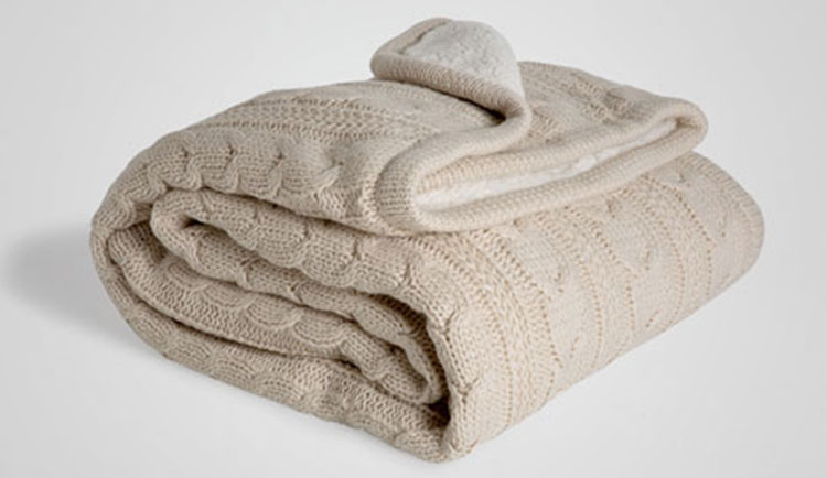 optimized-stay-warm-in-winter-zara-knit-blanket