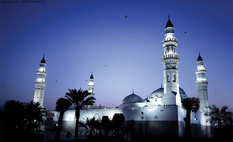 Peaceful-Evening-at-Masjid-Quba-The-First-Mosque-(www.prophetpbuh.com)