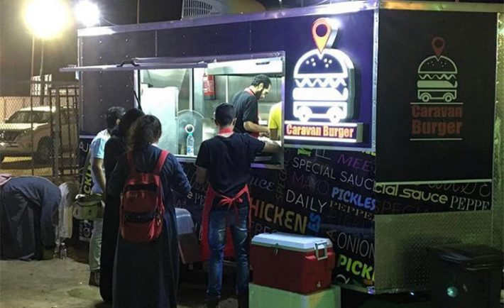 Food trucks jeddah s surprising new activity of choice for Art cuisine jeddah