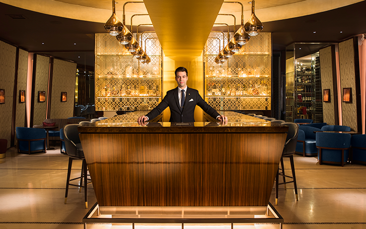 rodolphe-in-mandarin-bar-6-high-res